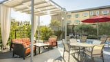 Choose This Business Hotel in Costa Mesa -  - Online Room Reservations