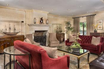 Picture of Ayres Hotel & Suites Costa Mesa/Newport Beach in Costa Mesa