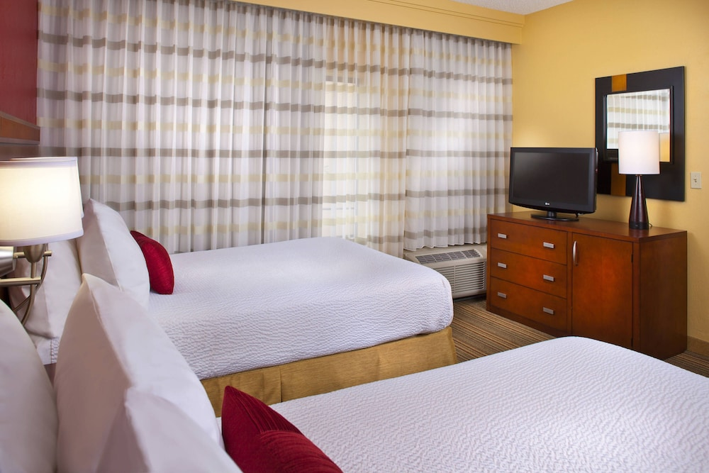 Courtyard By Marriott Baton Rouge Acadian Centre/LSU Area, Baton Rouge,  Guest Room