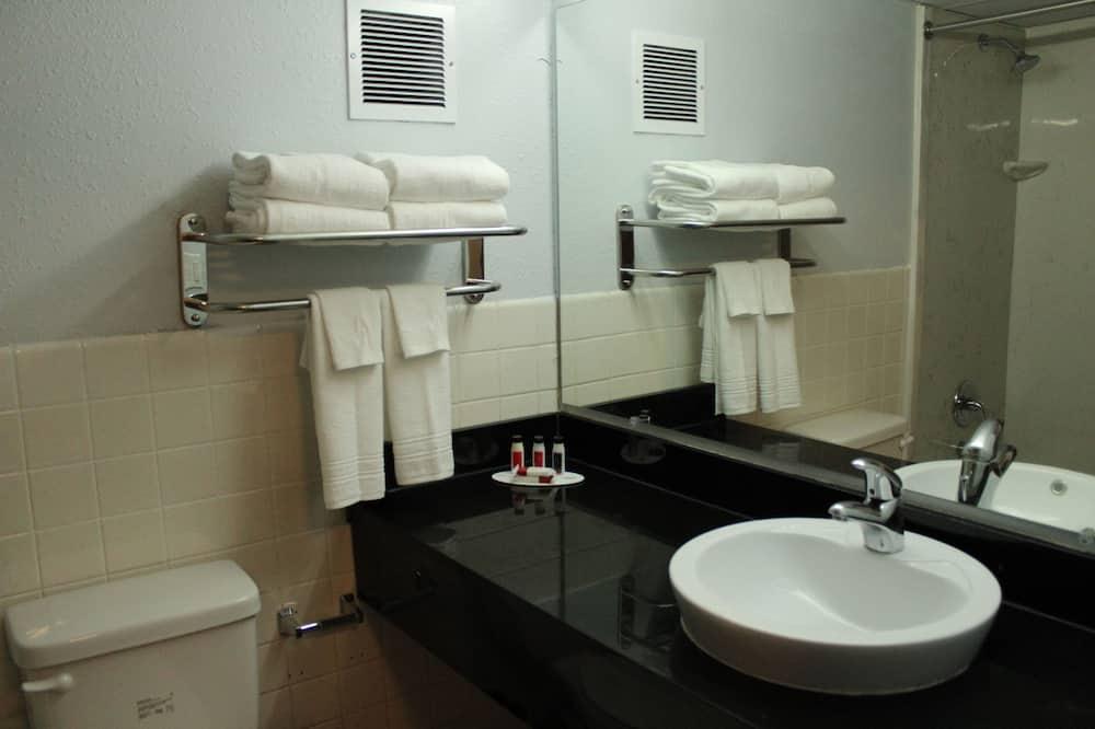 Deluxe-sviitti, 1 suuri parisänky, Tupakointi kielletty - Kylpyhuone