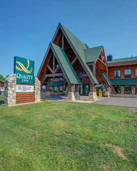Top 10 Bayfield Hotels Near Apostle Islands Mainland Sea Caves Wisconsin