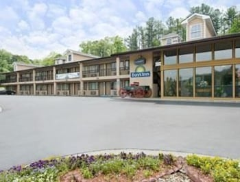 Picture of Days Inn Cartersville in Cartersville