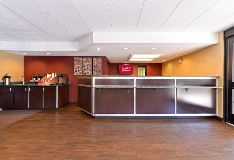 Red Roof Inn PLUS+ Secaucus - Meadowlands - NYC, Secaucus, Lobby