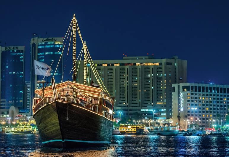 Radisson Blu Hotel, Dubai Deira Creek, Dubai, Familjerestaurang