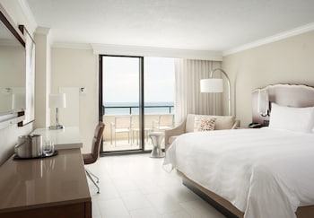 Choose This Beach Hotel in Fort Lauderdale -  - Online Room Reservations