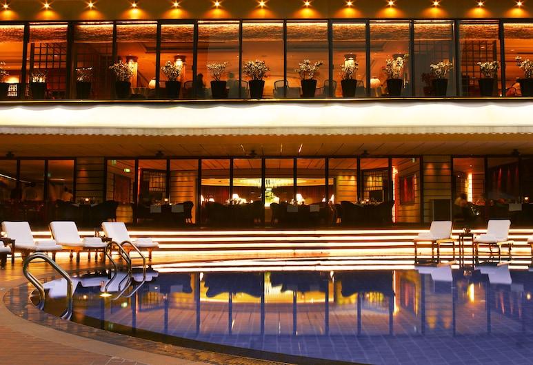 新加坡攝政飯店, 新加坡, 室外游泳池