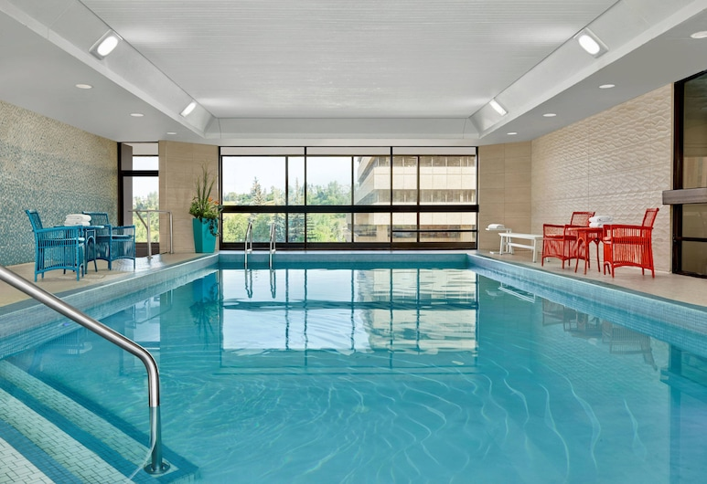 Delta Hotels by Marriott Calgary Downtown, Calgary, Indoor Pool