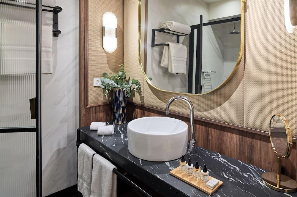 Phòng Deluxe, 1 giường cỡ king - Phòng tắm