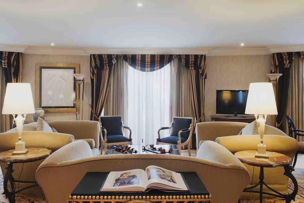Luxury sviit (Picasso) - Elutuba