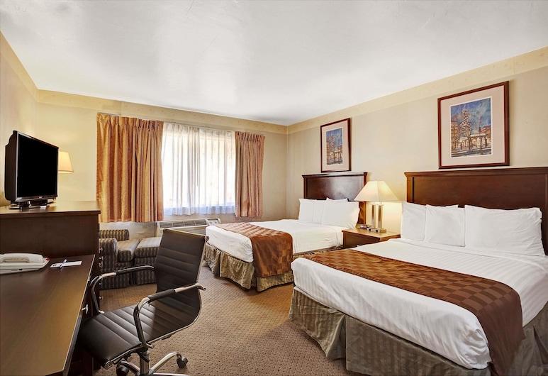 Travelodge by Wyndham Everett City Center, Everett, Dvivietis kambarys, 2 standartinės dvigulės lovos, Svečių kambarys