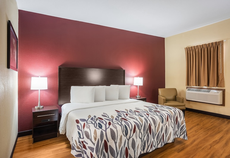 Red Roof Inn Des Moines, Des Moines, Superior Room, 1 King Bed, Non Smoking, Guest Room