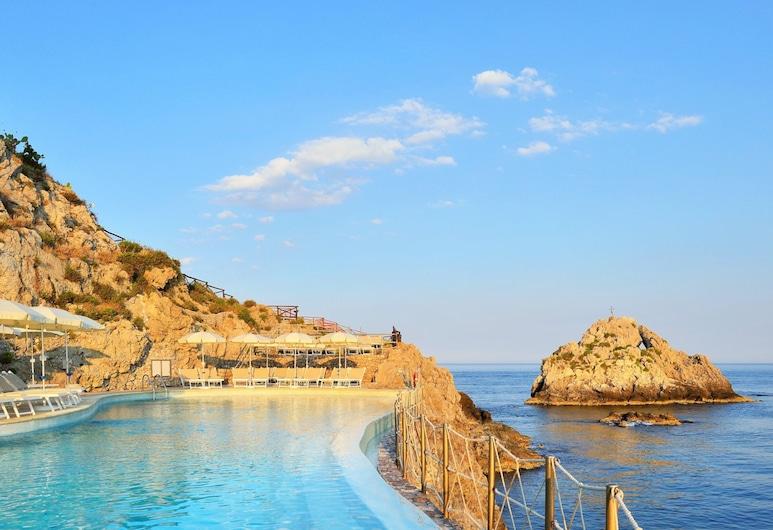 UNAHOTELS Capotaormina, Taormina, Bazén na střeše
