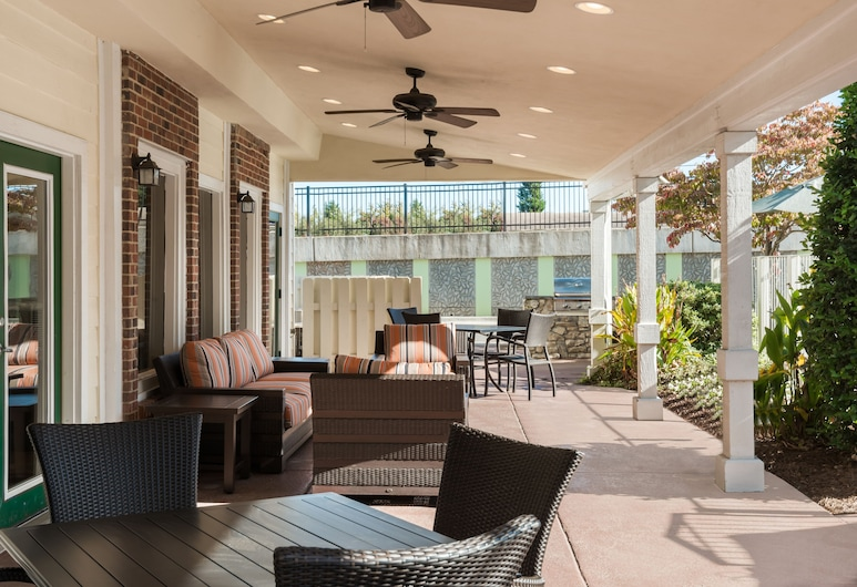 Residence Inn by Marriott Charlotte University Research Park, Charlotte, Terrace/Patio
