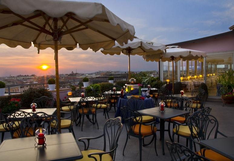 Marcella Royal Hotel, Roma, Terasa / vidinis kiemas