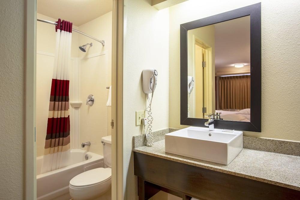 Premium Room, 2 Double Beds (Upgraded Bedding & Snack, Smoke Free) - Bathroom