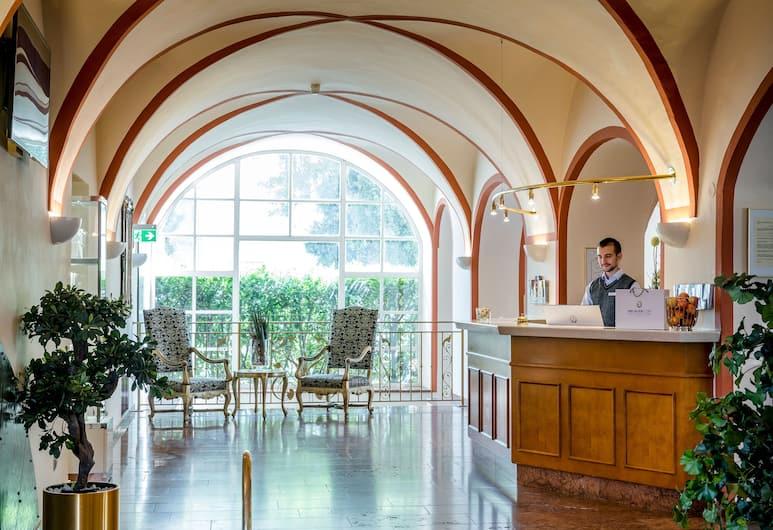 Hotel am Mirabellplatz, Salzburg, Rezeption