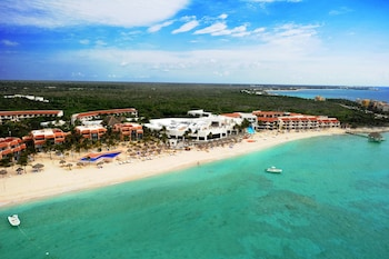 Picture of Oasis Tulum Lite - All Inclusive in Akumal