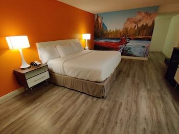 A(z) Clarion Pointe Fresno Yosemite hotel fényképe itt: Fresno