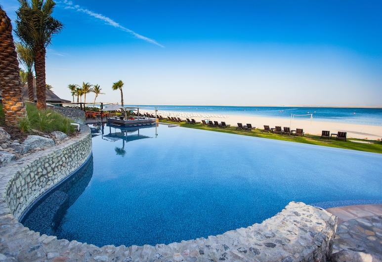 JA 海灘飯店, 傑貝阿裏, 室外游泳池