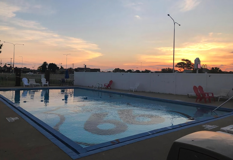 Route 66 Hotel, Springfield, Illinois, Springfield, Outdoor Pool