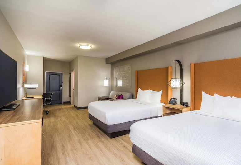 La Quinta Inn & Suites by Wyndham Chattanooga-Hamilton Place, Chattanooga, Room, 2 Queen Beds, Non Smoking, Guest Room