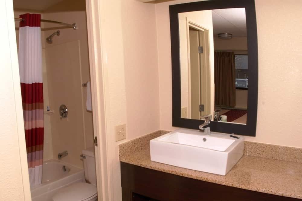 Standartinio tipo kambarys, 1 labai didelė dvigulė lova (Smoke Free) - Vonios kambarys