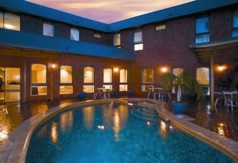 Hotel Cavalier, Wantirna South, Kültéri medence