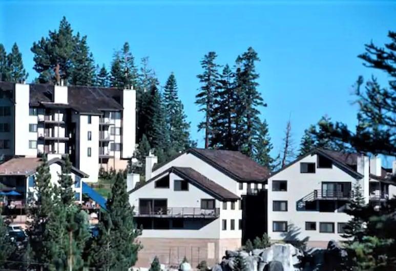 Tahoe Summit Village, Stateline