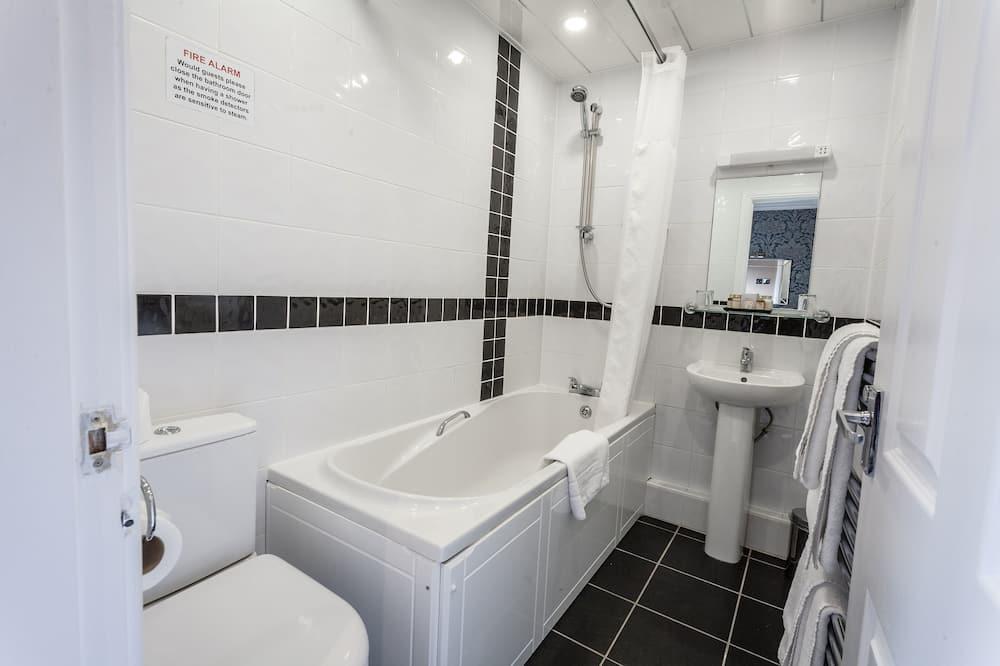 Comfort Room, 2 Single Beds, Non Smoking - Bathroom