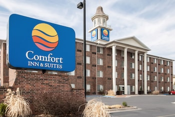 Picture of Comfort Inn & Suites Overland Park – Kansas City South in Overland Park
