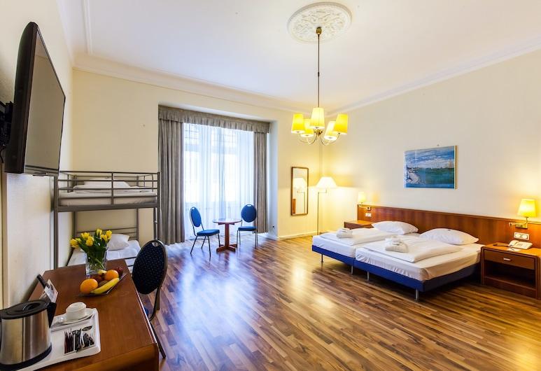 Hotel Monopol - Central Station, Frankfurt, Vierbettzimmer, Mehrere Betten, Zimmer