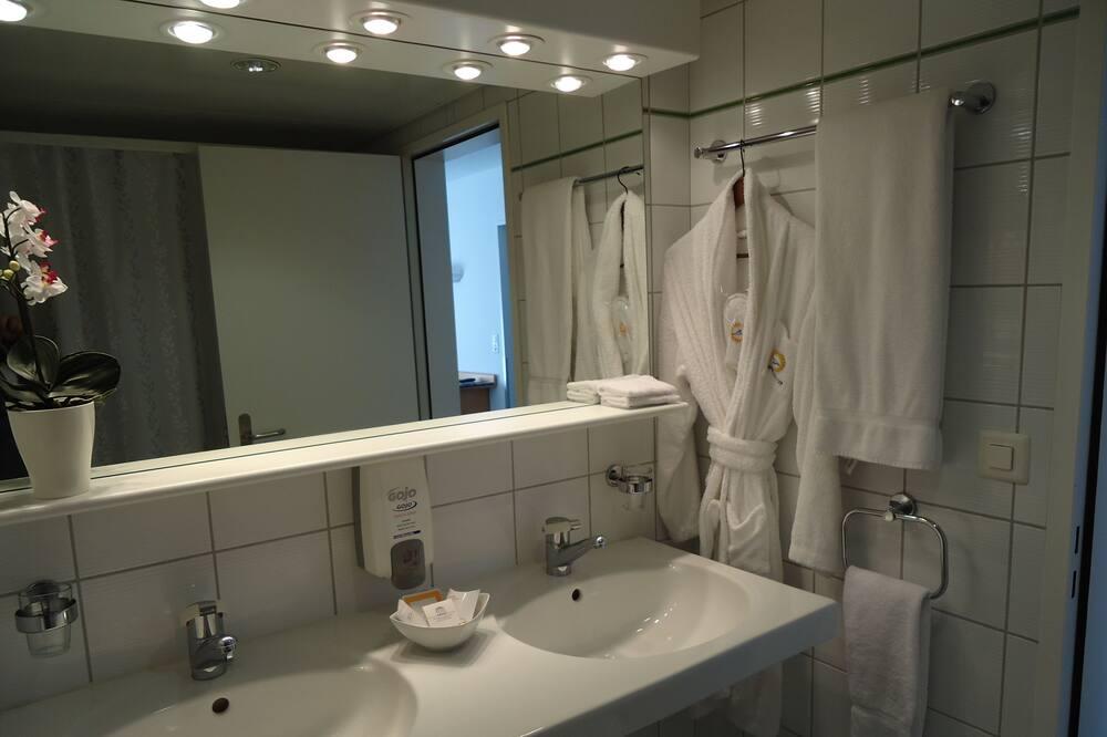 Habitación doble superior, 1 cama de matrimonio - Cuarto de baño
