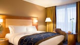Choose This Business Hotel in Gatwick -  - Online Room Reservations
