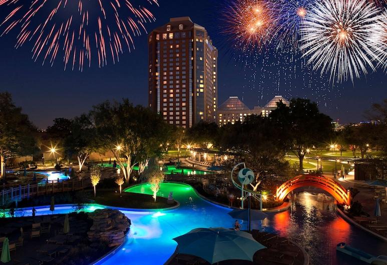 Hilton Anatole, Dallas, Eksterijer