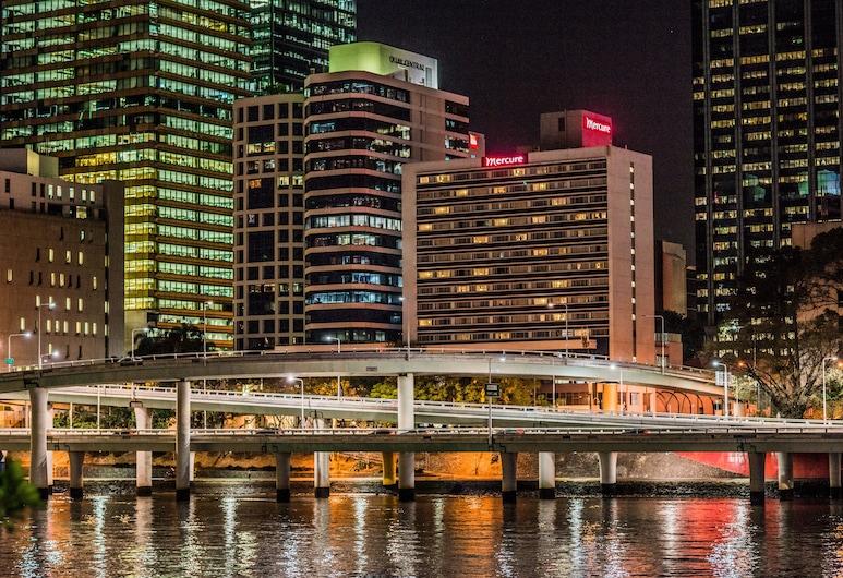Mercure Hotel Brisbane, Brisbane, Hotel Front – Evening/Night