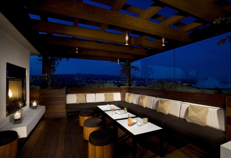 SIXTY Beverly Hills, Beverly Hills, Attico, Bar dell'hotel