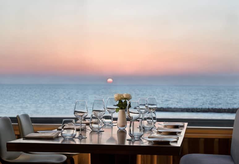 Sheraton Tel Aviv Hotel, Тель-Авив, Ресторан
