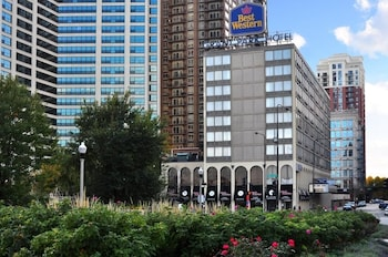 Choose This Cheap Hotel in Chicago
