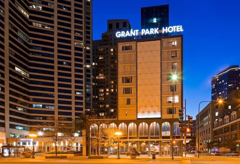 Best Western Grant Park Hotel, Chicago, Z zewnątrz