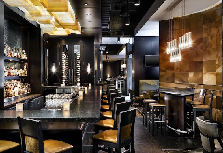 The Westin Calgary, קלגרי, מסעדה