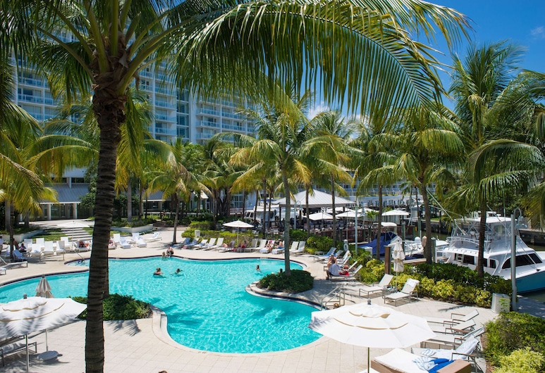 Hilton Fort Lauderdale Marina, Fort Lauderdale, Suite, 1 King Bed, Balcony, Marina View, Guest Room