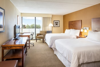 Фото Four Points by Sheraton Chicago O'Hare Airport в в Шиллер-Парк
