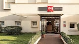 Book this In-room accessibility Hotel in Epinay-sur-Seine