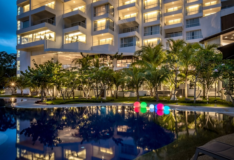 DoubleTree Resort by Hilton Hotel Penang, George Town, Otelin Önü - Akşam/Gece