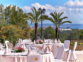 Choose This Five Star Hotel In Palma de Mallorca