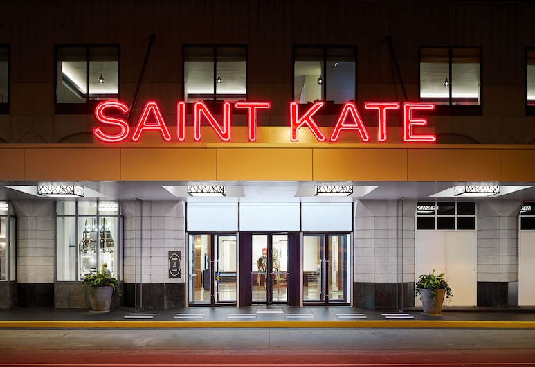 Saint Kate The Arts Hotel , Milwaukee, Hotel Front – Evening/Night