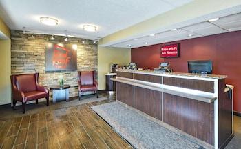 A(z) Red Roof Inn Louisville Expo Airport hotel fényképe itt: Louisville