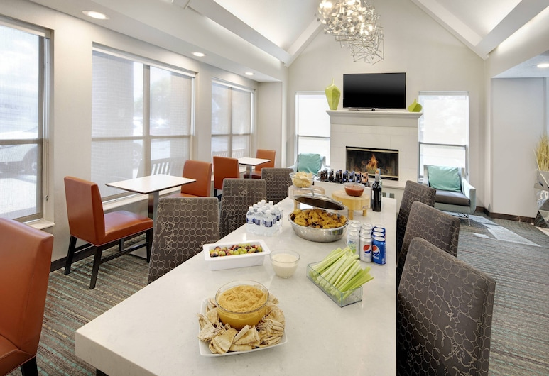 Residence Inn by Marriott Indianapolis Airport, Indianapolis, Resepsjon