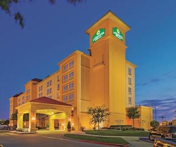 Choose This 3 Star Hotel In Arlington