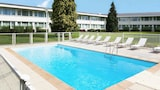 Reserve this hotel in Lesquin, France
